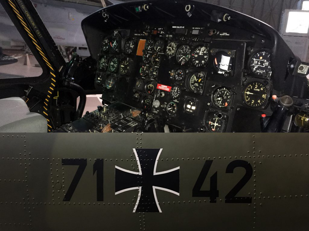 71+42 instrument panel
