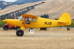 STOL competition photos (Bearhawk NJB) courtesy of Phil Craig.